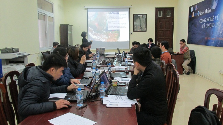 "JAXA/RESTEC SAR - Training for ALOS 2 satellite Data use ""SAR application for flood mapping"""