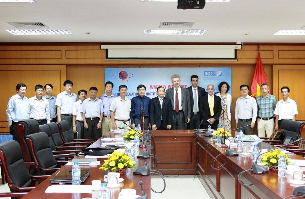 Pháp tiếp tục là đối tác hợp tác truyền thống với Viện Hàn lâm Khoa học và Công nghệ Việt Nam