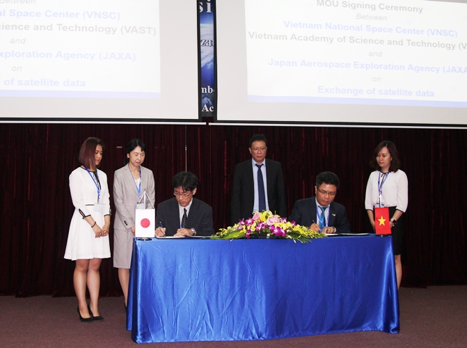Trung tâm Vũ trụ Việt Nam và Cơ quan Nghiên cứu và Phát triển Hàng không Vũ trụ Nhật Bản ký thỏa thuận về trao đổi dữ liệu vệ tinh