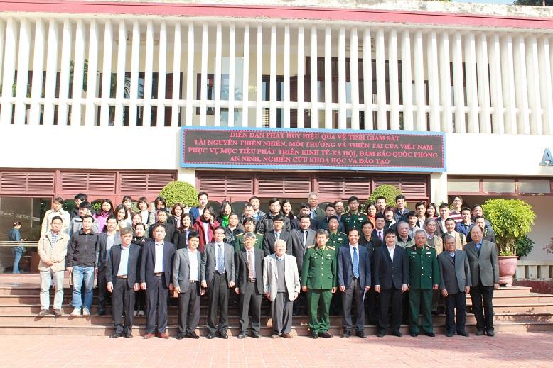 """Diễn đàn """"Phát huy hiệu quả vệ tinh giám sát tài nguyên thiên nhiên, môi trường và thiên tai của Việt Nam phục vụ mục tiêu phát triển kinh tế – xã hội, đảm bảo quốc phòng – an ninh, nghiên cứu khoa học và đào tạo"""""""